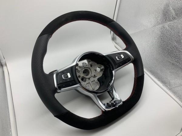 Lenkrad neu Bezogen im Tausch VW Golf GTD in Perforiertes Leder und Alcantara Leder